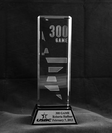 Picture of 300 Game Crystal Trophy